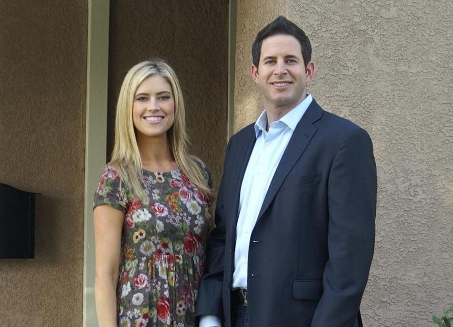 Tarek (r.) und Christina (l.) investieren in ein Haus in Anaheim. Doch ist das Angebot wirklich so gut, wie es zuerst erscheint? - Bildquelle: 2014, HGTV/Scripps Networks, LLC. All Rights Reserved.