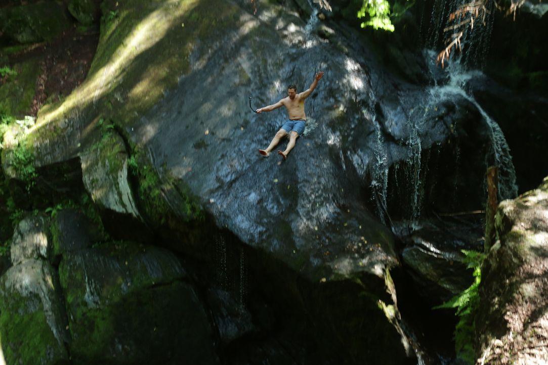 Ein Bade-Hotspot mit natürlicher Rutsche: die Enders Falls in Connecticut ... - Bildquelle: 2016, The Travel Channel, L.L.C. All Rights Reserved.