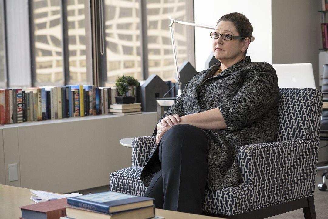 Wird die Psychologin Dr. Wray (Camryn Manheim) sofort herausfinden, dass Liza keine Mitzwanzigerin mehr ist? - Bildquelle: Hudson Street Productions Inc 2016
