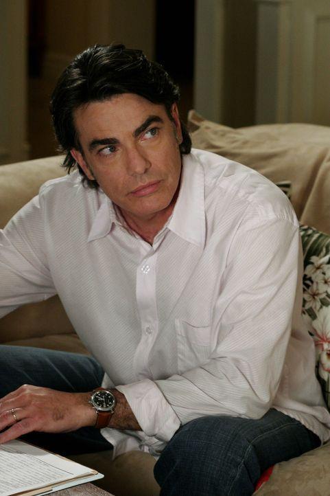 Sandy (Peter Gallagher) schafft es, Trey die Untersuchungshaft zu ersparen, indem er ihn vorläufig wieder bei sich aufnimmt ... - Bildquelle: Warner Bros. Television