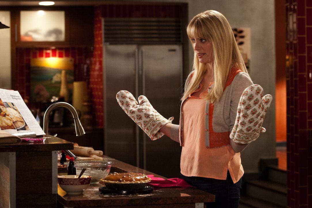 Voller Elan will Stacy (April Bowlby) ihre Idee, eine eigene Bäckerei zu eröffnen, umsetzen ... - Bildquelle: 2012 Sony Pictures Television Inc. All Rights Reserved.