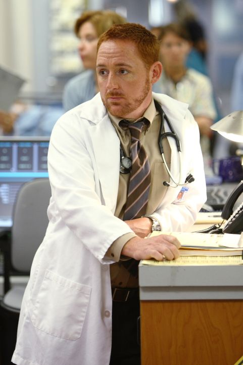 Kommt mit Catherines Humorlosigkeit nicht zurecht: Morris (Scott Grimes) ... - Bildquelle: Warner Bros. Television