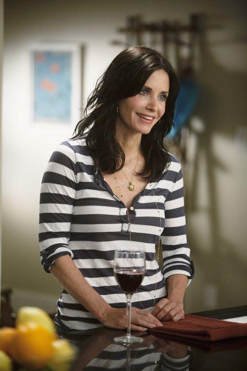 Kylie hat sich indes von Travis getrennt, weil der sie betrogen hat. Jules (Courteney Cox) ist entsetzt und befürchtet, dass Travis ähnlich untreu... - Bildquelle: 2009 ABC INC.