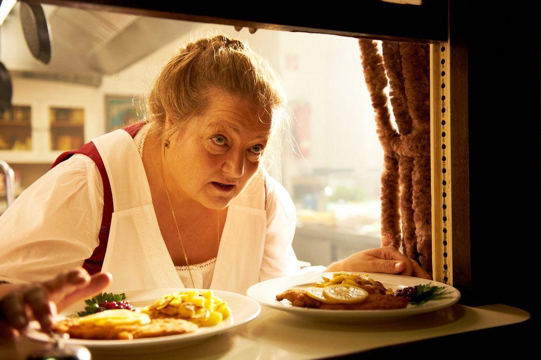 Begibt sich auf eine ganz besondere Reise: Oma Marguerita (Marianne Sägebrecht) ... - Bildquelle: Walter Wehner Sperl Productions