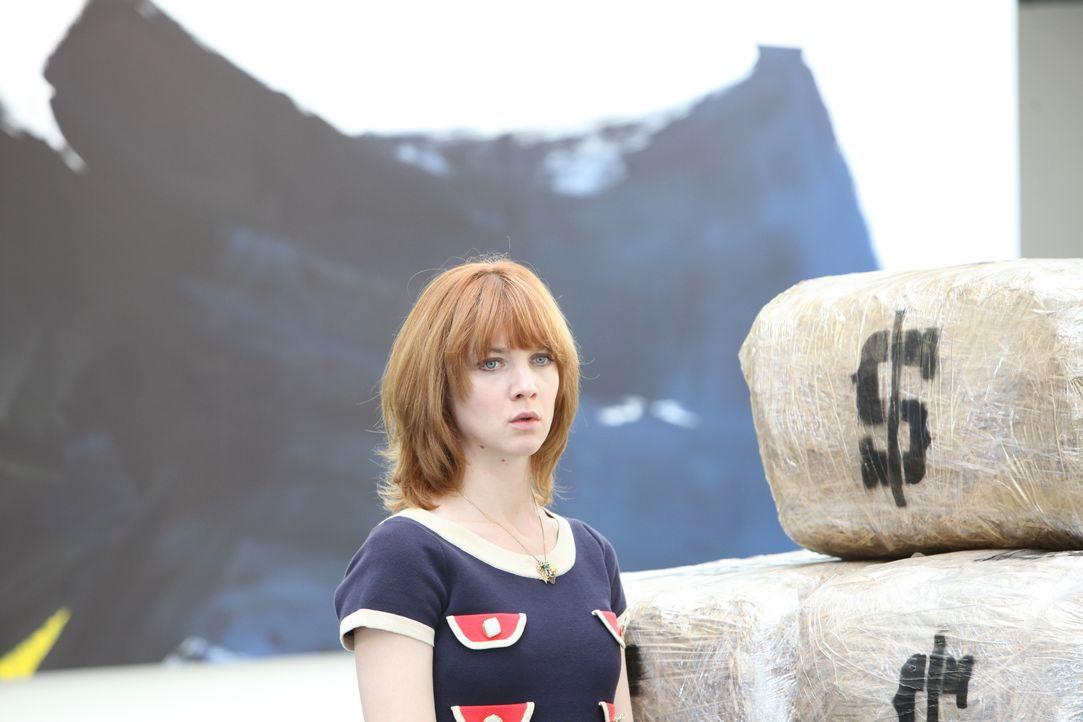 Als eine Fotografin erdrosselt in ihrem Loft aufgefunden wird, muss Chloé (Odile Vuillemin) ihr Bestes geben, um den Mörder zu finden ... - Bildquelle: Xavier Cantat 2011 BEAUBOURG AUDIOVISUEL / Xavier Cantat