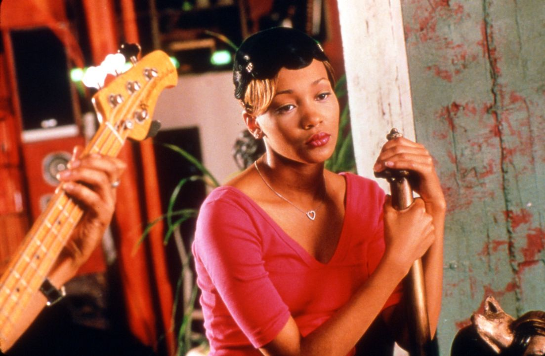 Als Tochter wohlhabender Eltern hat Camille (Monica Arnold) alles, wovon Mädchen träumen. Doch glücklich ist sie nicht. Da erhält sie das Angebo... - Bildquelle: TM &   2003 Paramount Pictures Corporation