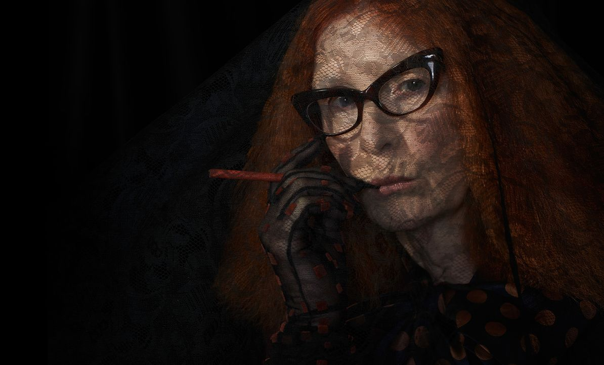 (3. Staffel) - Als Mitglied des Hexenzirkelrates versucht Myrtle Snow (Frances Conroy), das Böse aus ihren Reihen zu verbannen ... - Bildquelle: 2013-2014 Fox and its related entities. All rights reserved.