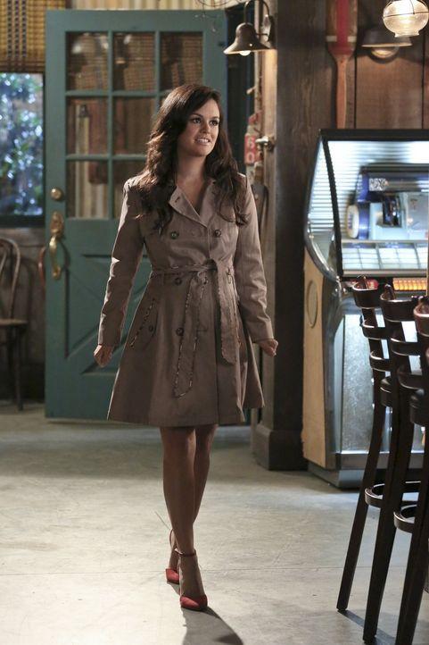 Zoe (Rachel Bilson) versucht, die Beziehung mit Wade noch ein wenig geheim zu halten. Doch das ist in BlueBell schwerer als gedacht ... - Bildquelle: 2014 Warner Brothers