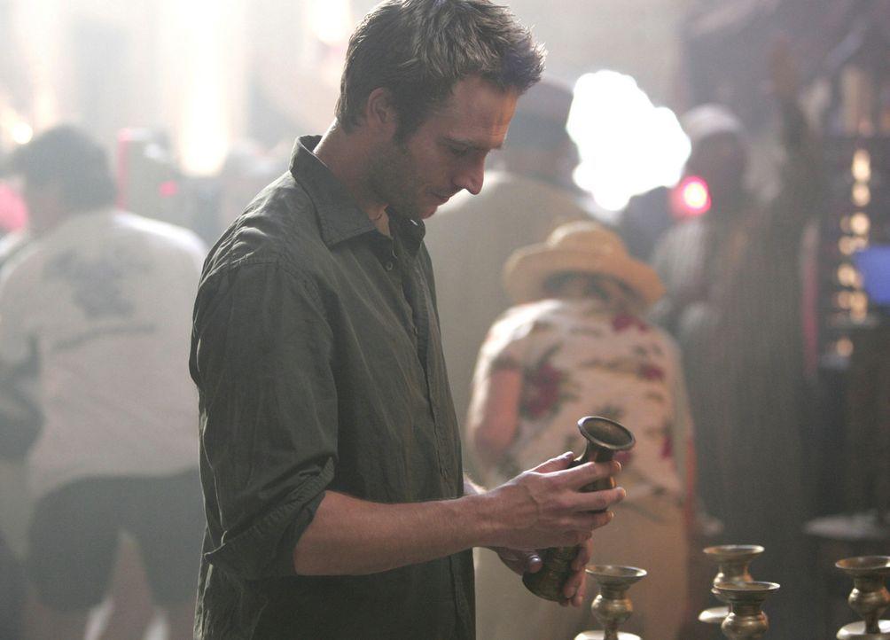 Vaughn (Michael Vartan) bemerkt auf einem Markt in Algerien, dass sie verfolgt werden und versucht Derek Modell zu retten, doch wird es ihm gelingen? - Bildquelle: Touchstone Television