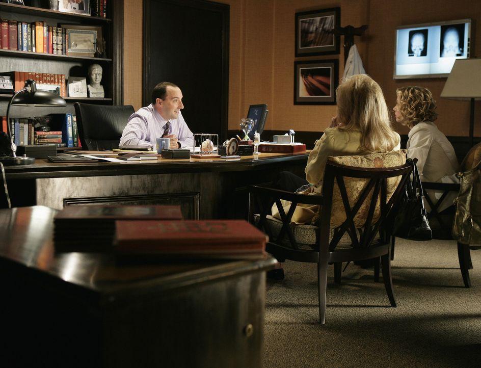 Dr. Andy Adams (Tony Hale, l.), Samanthas Neurologe, hinterlässt auf dem Anrufbeantworter eine sehr beunruhigende Nachricht: Er will Samantha dring... - Bildquelle: American Broadcasting Companies, Inc. All rights reserved.