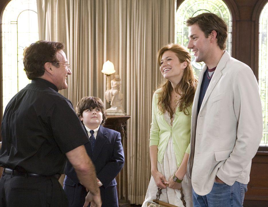 Als endlich ein Termin für Bens (John Krasinski, vorne r.) und Sadies (Mandy Moore, hinten r.) Hochzeit feststeht, kommt schon gleich die nächste Hü... - Bildquelle: 2007 Warner Brothers International Television Distribution Inc.