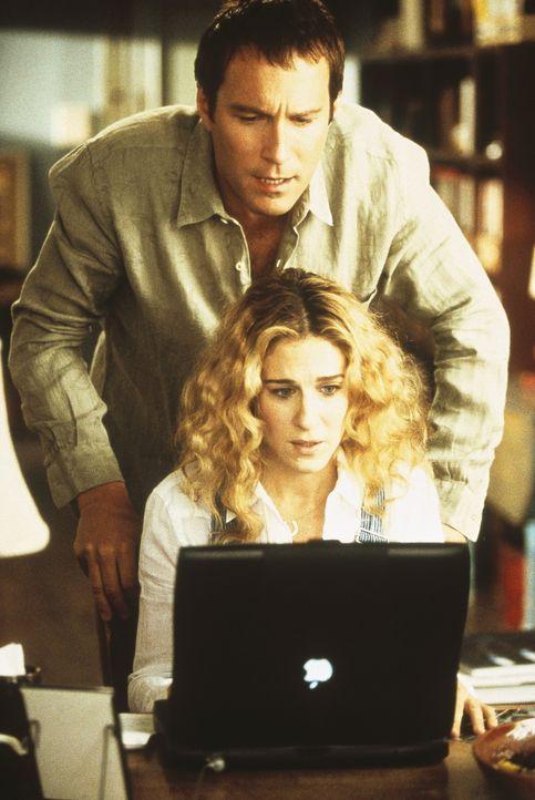 Carrie (Sarah Jessica Parker, vorne) hat das Gefühl, zusammen mit ihrem Apple, einen großen Teil ihres Lebens zu verlieren. Auch Aidan (John Corbe... - Bildquelle: Paramount Pictures