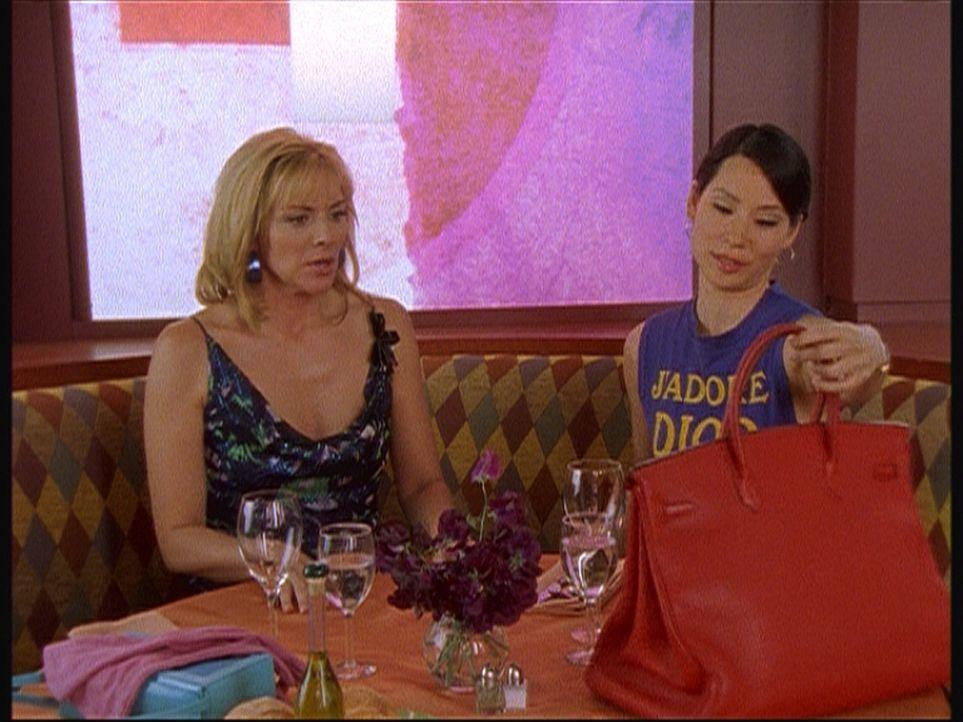 Eine schwierige Klientin: Samantha (Kim Cattrall, l.) und ihre neue Kundin Lucy Liu (Lucy Liu) trennen sich wieder. - Bildquelle: Paramount Pictures