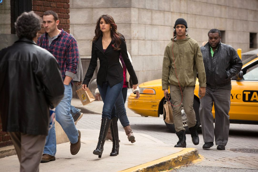 Elena Gilbert ist unterwegs - Bildquelle: Warner Bros. Entertainment Inc.