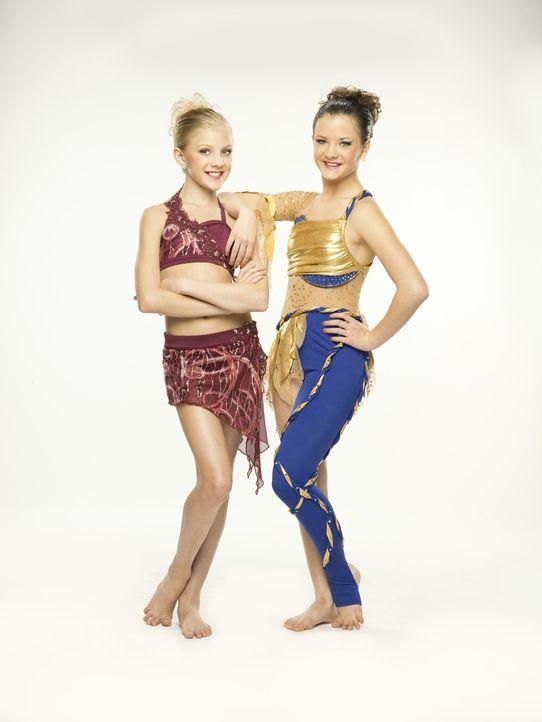 Während Paige (l.) noch immer mit den Folgen des gebrochenen Fußes kämpft, soll sich Brooke (r.) auf ihre Sängerinnen-Karriere konzentrieren ... - Bildquelle: Richard McLaren 2012 A+E Networks