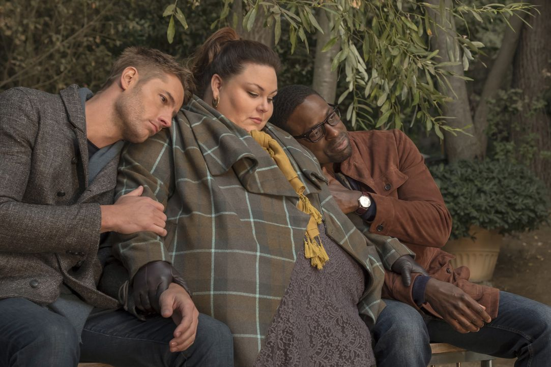 (v.l.n.r.) Kevin Pearson (Justin Hartley); Kate Pearson (Chrissy Metz); Randall Pearson (Sterling K. Brown) - Bildquelle: Ron Batzdorff 2017-2018 NBCUniversal Media, LLC.  All rights reserved./Ron Batzdorff