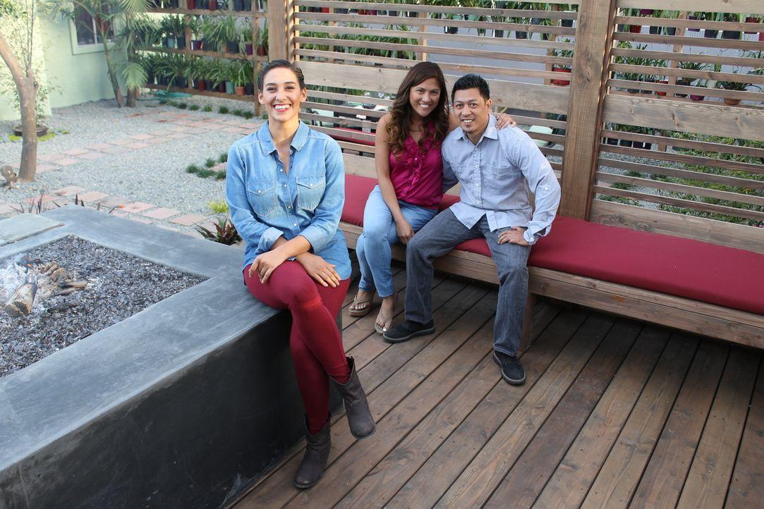 Vor neun Jahren haben Rowena (M.) und Joseph (r.) das Haus von Rowensas Mutter gekauft. Sie lieben es, doch der Garten entspricht ganz und gar nicht... - Bildquelle: 2014, DIY Network/Scripps Networks, LLC. All RIghts Reserved.