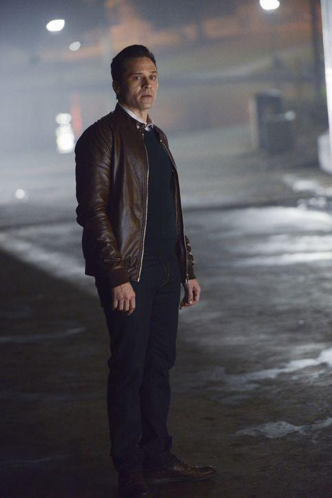 Weil er sich selbst so viele Schuldgefühle macht, ist Kevin (Seamus Dever) besessen davon, den Mörder zu finden ... - Bildquelle: David Moir ABC Studios / David Moir