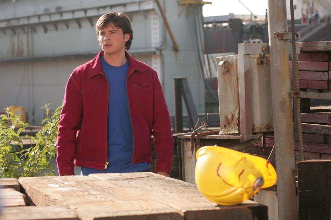 Auf der Suche nach dem Mörder der Schiffsbesatzung macht Clark (Tom Welling) eine grauenvolle Entdeckung ... - Bildquelle: Warner Bros.