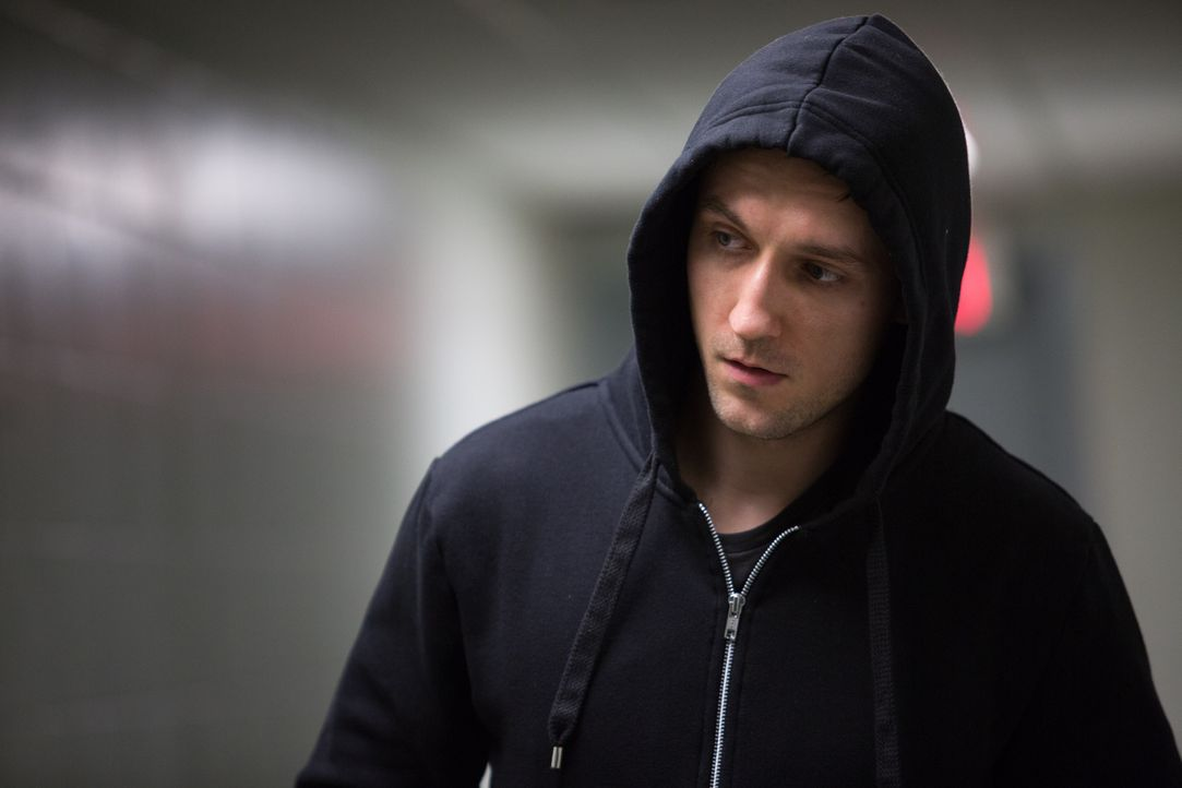 Ein Patient im Drogenzentrum im Bundesstaat New York rastet aus und tötet einen Wachmann - doch das wird nicht sein einziger Angriff sein ... - Bildquelle: Darren Goldstein Cineflix 2014