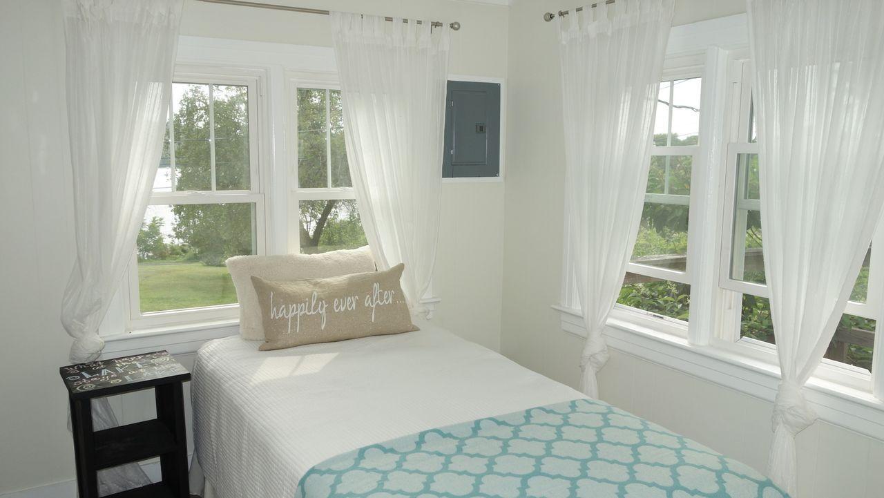 Über Jahre hinweg haben Nick und James auf ein Haus am See gespart. Nun hoffen sie, sich mit 299.000 $ endlich den Traum erfüllen zu können ... - Bildquelle: 2015, HGTV/Scripps Networks, LLC. All Rights Reserved.