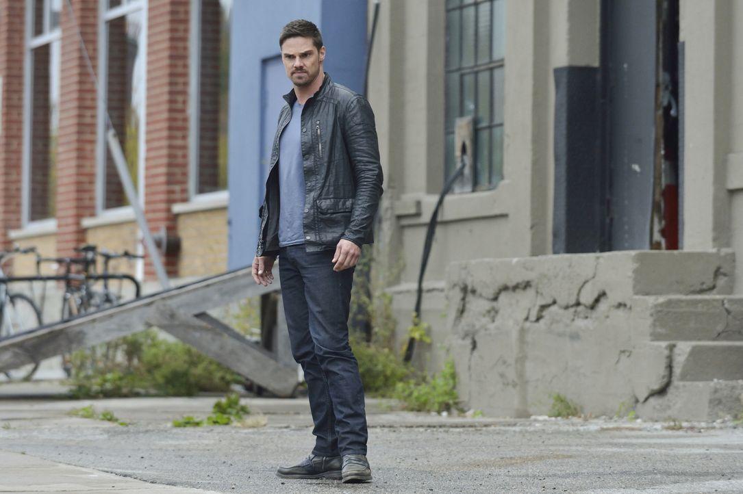 Geht außergewöhnlich weit, um Catherine zu zeigen, dass er und nicht sie Recht hat: Vincent (Jay Ryan) ... - Bildquelle: Ben Mark Holzberg 2015 The CW Network, LLC. All rights reserved.