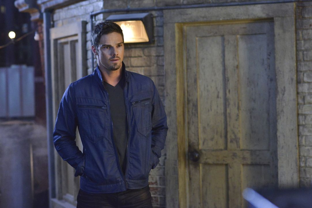 Was führt Vincent (Jay Ryan) im Schilde? - Bildquelle: 2013 The CW Network, LLC. All rights reserved.