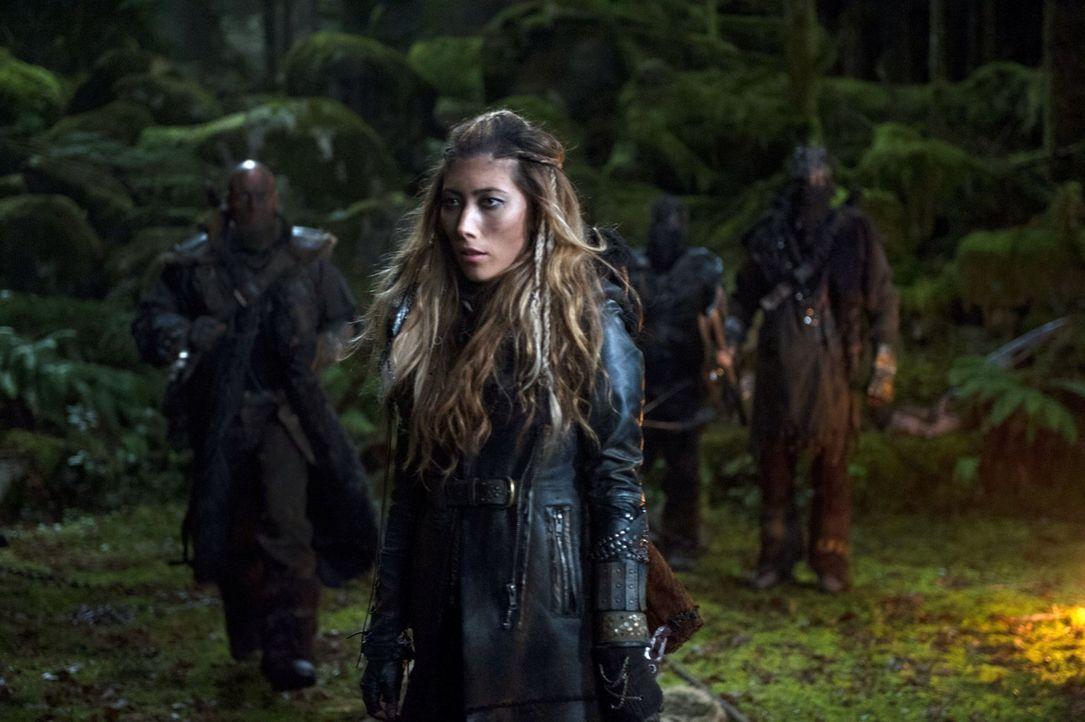 Noch ahnt Anya (Dichen Lachman) nicht, welche internen Probleme sie noch erheblich treffen werden ... - Bildquelle: Warner Brothers