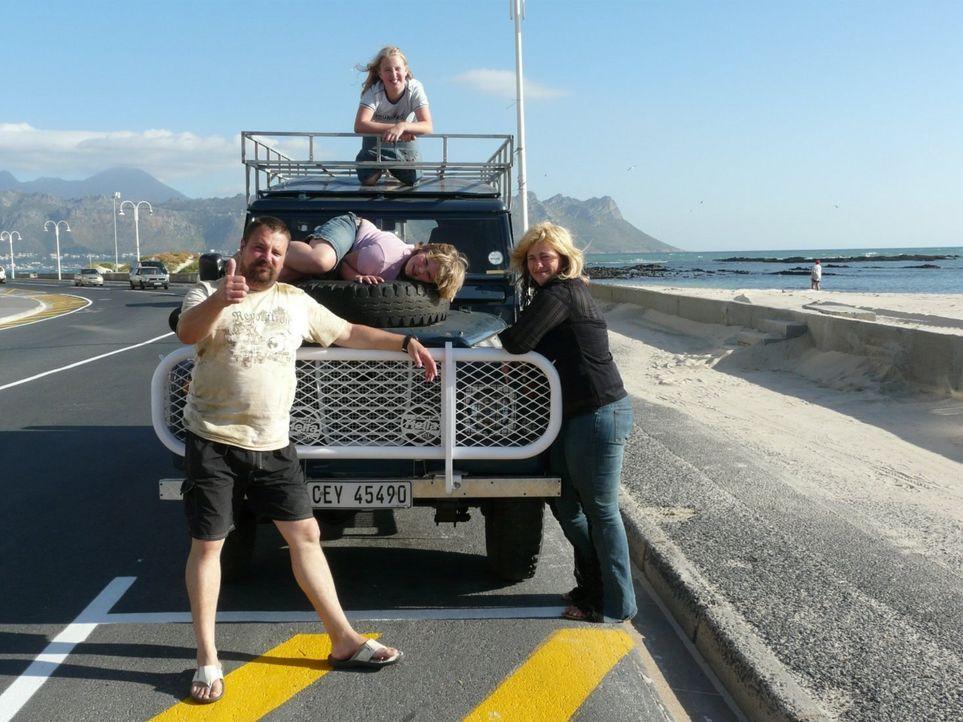 Gemeinsam mit ihren Kindern Florian (21), Charleen (11), Kimberly (10) wollen Wolfgang (46) und Uschi (45) Grimm ein neues Leben Summerset West bei... - Bildquelle: kabel eins