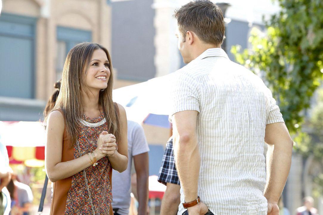 Als Wade George (Scott Porter, r.) den Tipp gab, seine Chancen bei Frauen zu testen, dachte er dabei ganz sicher nicht an Zoe (Rachel Bilson, l.) ... - Bildquelle: Warner Bros.