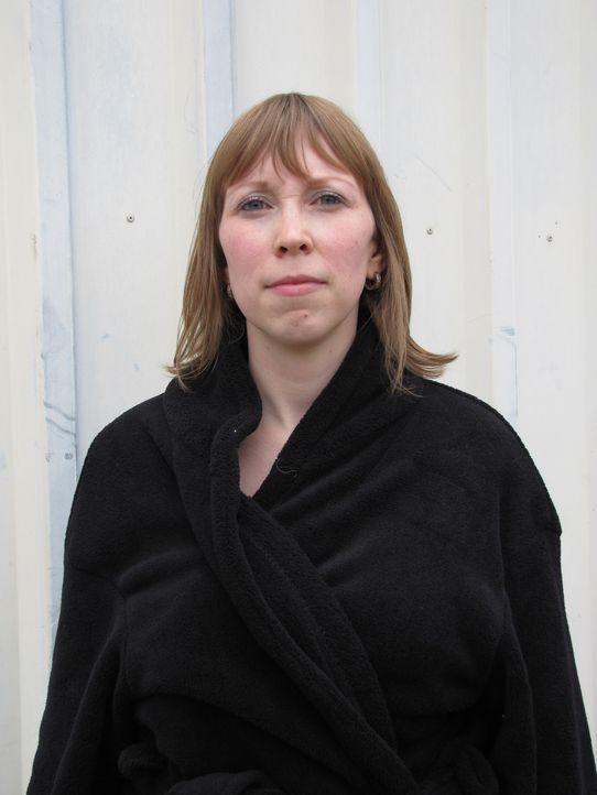 Sandra lebt in Leipzig und arbeitet dort als Beamtin. Ihr berufliches Leben und ihr Freundeskreis füllen ihr Leben zwar gut aus, trotzdem sehnt sie... - Bildquelle: DDProductions