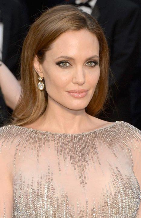 Angelina Jolie  - Bildquelle: AFP/Kevork Djansezian