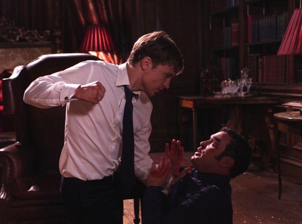 Cyrus (Jake Maskall, r.) gibt nicht auf um endlich den Thron besteigen zu können, doch er hat nicht mit der Rache von Liam (William Moseley, l.) ger... - Bildquelle: Helen Vidler 2014 E! Entertainment Media, LLC