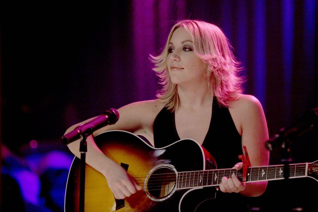 """Jessica Harp von """"The Wreckers"""" freut sich über ihren Auftritt im Tric und macht Haley Mut ... - Bildquelle: Warner Bros. Pictures"""