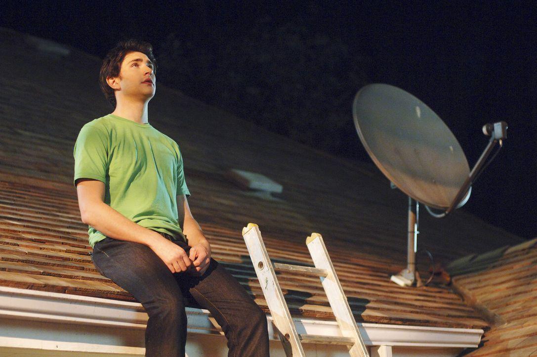 Kyle (Matt Dallas) lernt ein neues menschliches Phänomen kennen, die Lüge. Menschen kommen immer wieder in Situationen, in denen sich sie nicht an... - Bildquelle: TOUCHSTONE TELEVISION