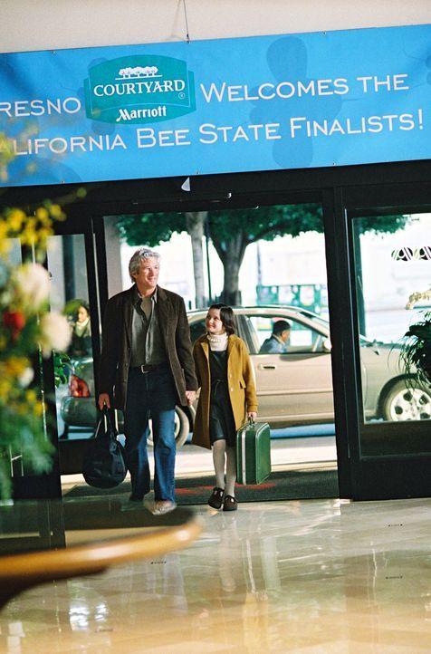 Saul Naumann (Richard Gere, l.) unterstützt das Talent seiner Tochter Eliza (Flora Cross, r.) nicht nur beim gemeinsamen Training, sondern er begle... - Bildquelle: Copyright   2005 Twentieth Century Fox