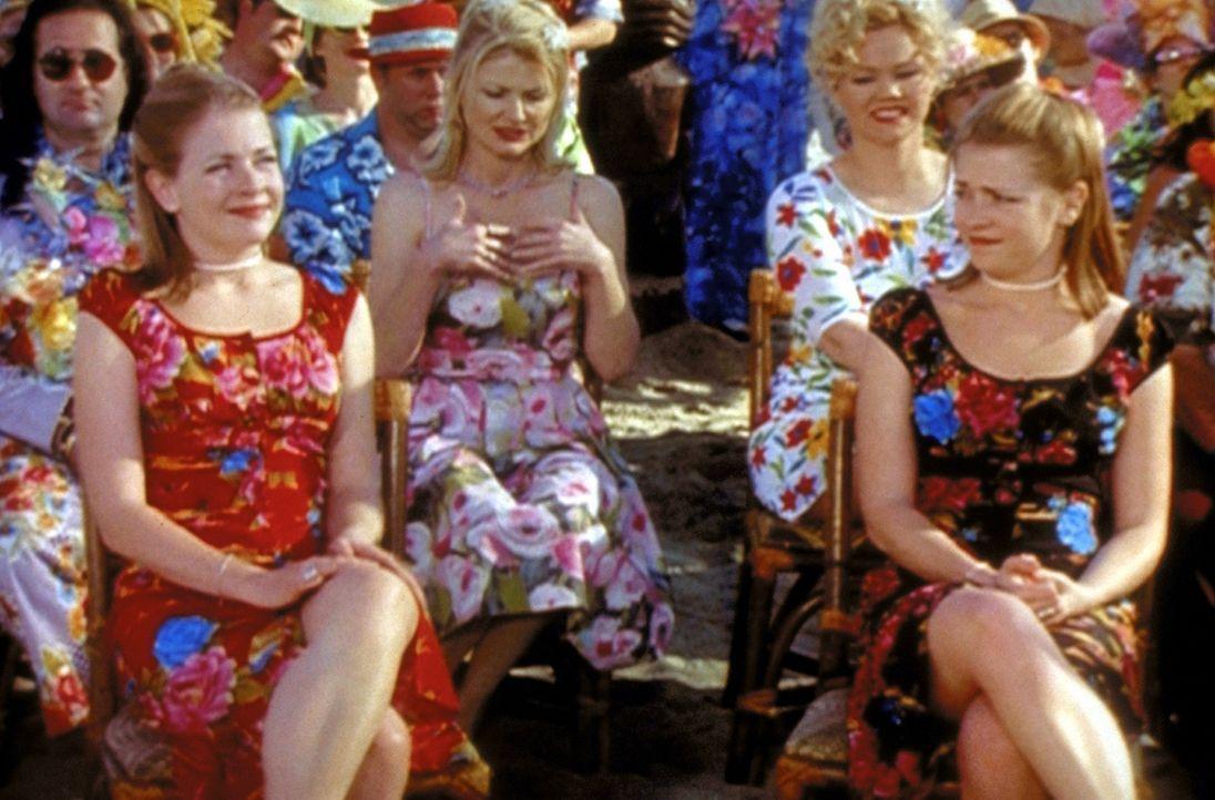 Sabrina (Melissa Joan Hart, vorne) muss feststellen, dass sie eine Zwillingsschwester hat. Bei Hexenzwillingen ist leider einer immer böse ... - Bildquelle: Paramount Pictures