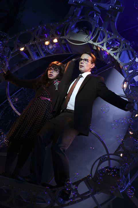 Ganz großes Theater: Betty (America Ferrera, l.) und Henry (Christopher Gorham, r.) ... - Bildquelle: Buena Vista International Television