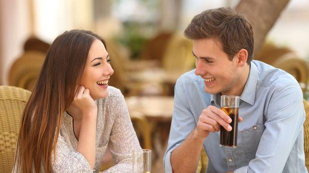 Wie man mit dem Dating um 46 beginnt