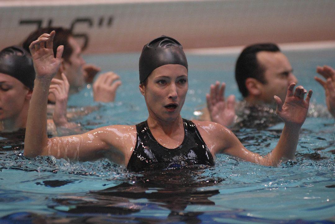 Auf der Antares geht es weiterhin drunter und drüber: Nadia (Florentine Lahme) ... - Bildquelle: 2009 Fox Television Studios.