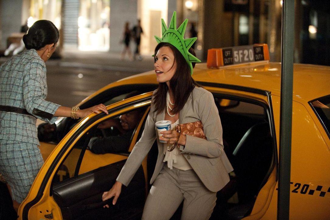 Amüsiert sich in Manhattan: Jill (Jill Flint, r.) - Bildquelle: Universal Studios