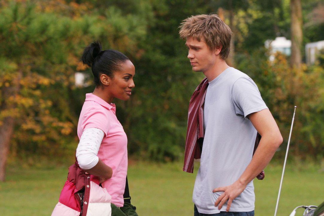 Ein unerwartetes Wiedersehen: Lucas (Chad Michael Murray, r.) und Faith (Mekia Cox, l.) haben sich nach all den Jahren viel zu erzählen ... - Bildquelle: Warner Bros. Pictures