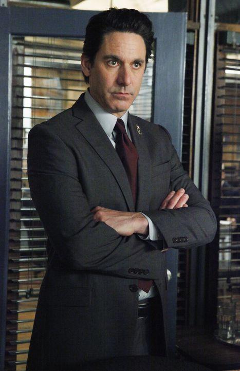 Lt. Stan Holliwell (Scott Cohen) ist auf der Suche nach einem korrupten Cop. - Bildquelle: ABC Studios