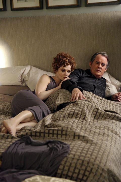 Hat ihre Ehe noch eine Chance? Evelyn (Rebecca Wisocky, l.) und Adrian (Tom Irwin, r.) - Bildquelle: ABC Studios
