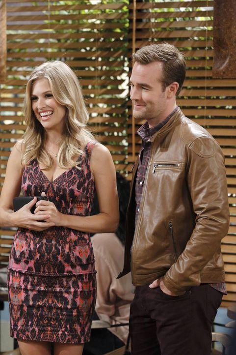 Haben eine ganz besondere Beziehung: Will (James Van Der Beek, r.) und Annika (Amanda Lund, l.) ... - Bildquelle: 2013 CBS Broadcasting, Inc. All Rights Reserved.