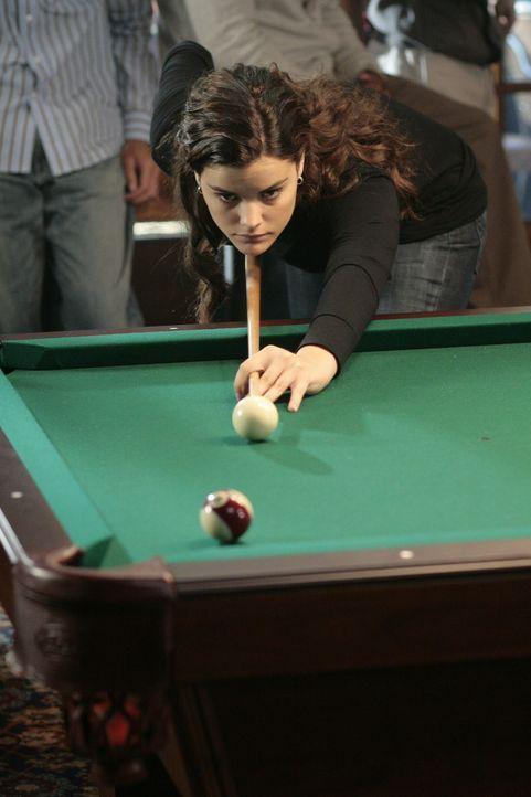Jessi (Jaimie Alexander) lässt nichts unversucht: Sie will sich unbedingt mit Kyle messen und fordert ihn zum Spiel heraus ... - Bildquelle: TOUCHSTONE TELEVISION