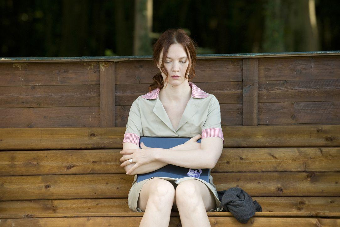 Der Gedächtnisverlust setzt Chloé (Odile Vuillemin) gehörig zu, vor allem da ihr wirklich jede Erinnerung an ihr altes Leben und daran, wer sie über... - Bildquelle: 2015 BEAUBOURG AUDIOVISUEL