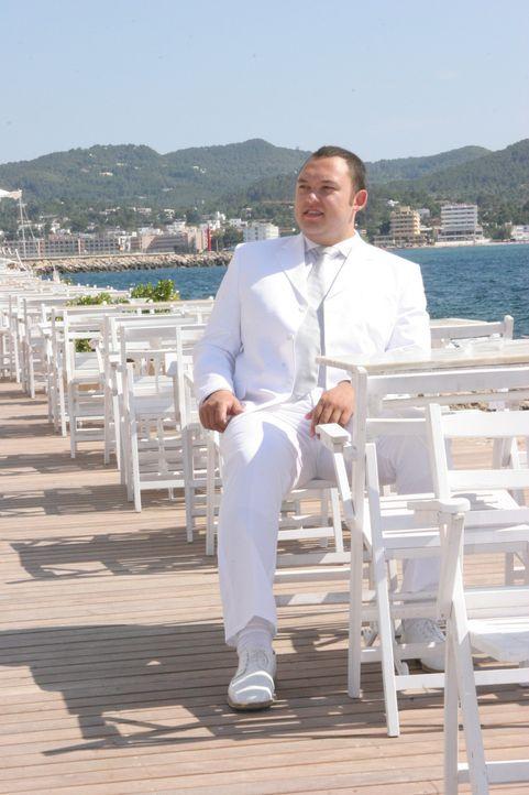 Egal ob S-Klasse oder Lincoln Superstretch: Simon Yamamoto besitzt den wohl exklusivsten Limo-Service auf Ibiza. Welcher der drei Bewerber wird den... - Bildquelle: ProSieben