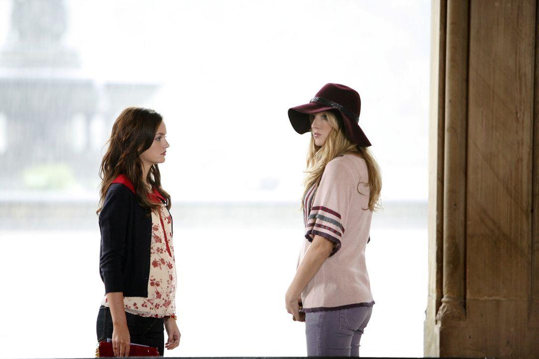 Hat der Zickenkrieg ein Ende? Blair (Leighton Meester, l.) und Serena (Blake Lively, r.) sprechen sich endlich aus ... - Bildquelle: Warner Brothers