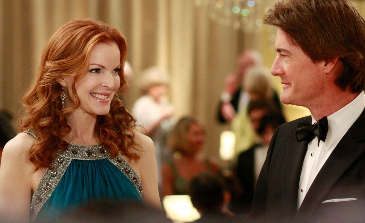 Orson (Kyle MacLaclan, r.) ist stolz auf Bree (Marcia Cross, l.), der neuen Preisträgerin des Founder's Award ... - Bildquelle: ABC Studios